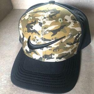 Camouflage Nike DriFit Cap Hat L/XL Camo Classic99
